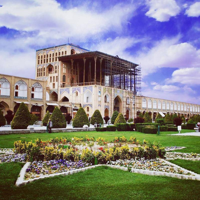 Ali Qapu Grand Palace in isfahan