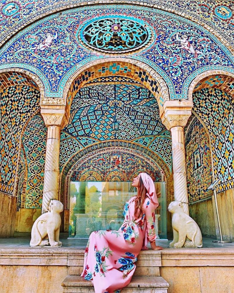 Enjoy eye catching beauties of Golestan Palace travelling to Tehran Iran