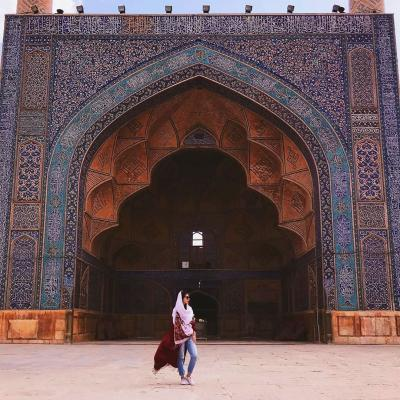 Travel to Masjed Jomeh or Jame Mosque of Isfahan